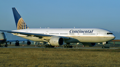 N78001 - Boeing 777-224(ER) - Continental Airlines