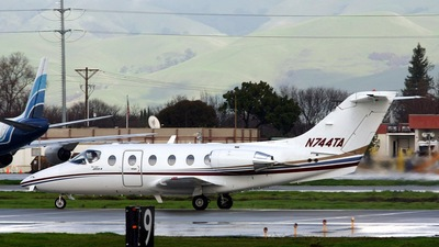A picture of N744TA - Cessna 172S Skyhawk SP - [172S12144] - © Craig Allyn Rose