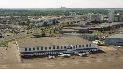 CYXD - Airport - Terminal