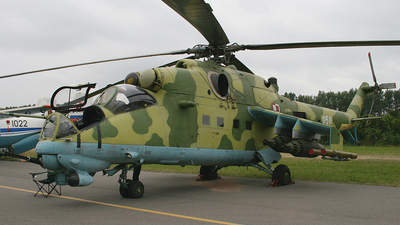 956 - Mil Mi-24V Hind E - Poland - Air Force