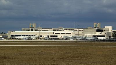 KPBI - Airport - Terminal