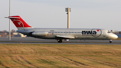 N9346 - McDonnell Douglas DC-9-32 - Northwest Airlines