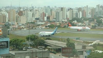 - Airbus A320-211 - TAM Linhas Aéreas