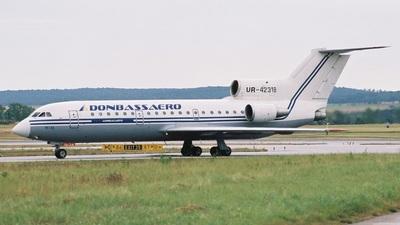 UR-42318 - Yakovlev Yak-42 - Donbassaero