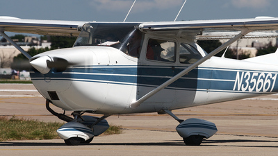 N35661 - Cessna 172I Skyhawk - Private