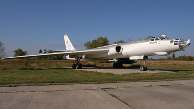 25 - Tupolev Tu-16K Badger - Russia - Air Force