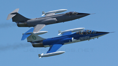 N104RB - Canadair CF-104D Starfighter - Starfighters Demonstration Team