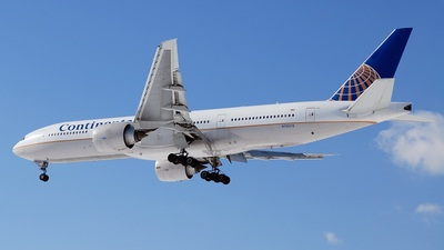 N78013 - Boeing 777-224(ER) - Continental Airlines