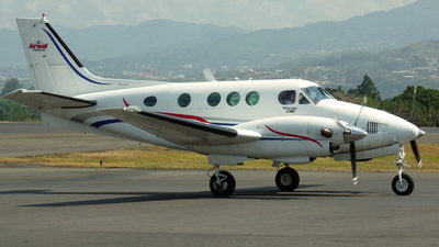 TI-AZO - Beechcraft E90 King Air - Aerobell