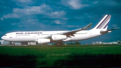 F-GLZF - Airbus A340-212 - Air France