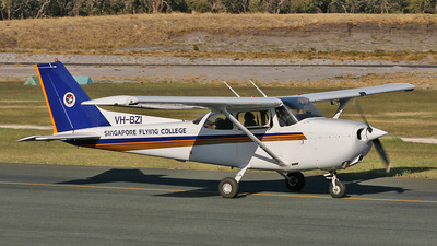 VH-BZI - Cessna 172R Skyhawk II - Singapore Flying College