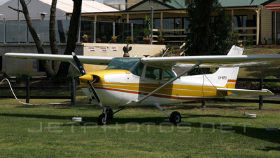 A picture of VHWFO - Cessna 172N Skyhawk - [17269514] - © Borut