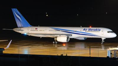 A picture of OMASB - Boeing 757236 - [24371] - © Mathias Henig