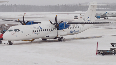 SE-MDH - ATR 72-212A(500) - Blue1 (Golden Air)