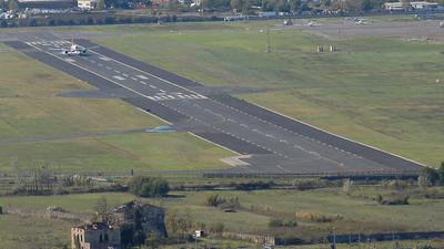 LIRQ - Airport - Runway