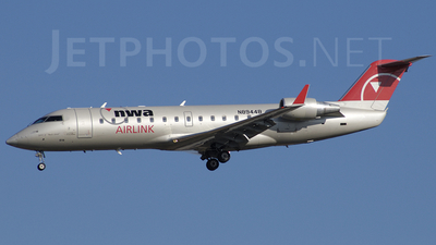 N8944B - Bombardier CRJ-200ER - Northwest Airlink (Mesaba Airlines)