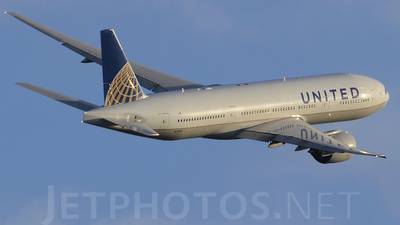 N77012 - Boeing 777-224(ER) - United Airlines (Continental Airlines)