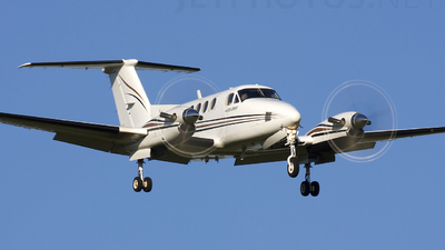 A picture of N199MH - Beech B200 Super King Air - [BB855] - © Andrew Thompson