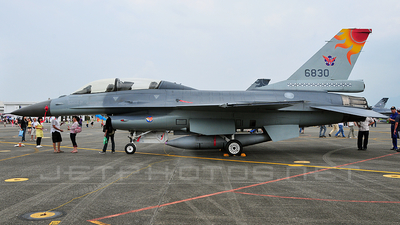 6830 - General Dynamics F-16B Fighting Falcon - Taiwan - Air Force
