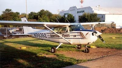 A picture of N99352 - Cessna 172P Skyhawk - [17276438] - © Senga Butts