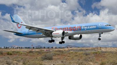 G-BYAY - Boeing 757-204 - Thomson Airways