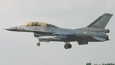 J-064 - General Dynamics F-16BM Fighting Falcon - Netherlands - Royal Air Force