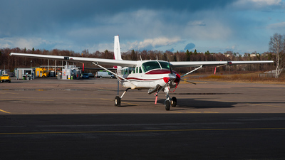 OH-DZF - Cessna 208B Grand Caravan - Parachuting Club of Finland