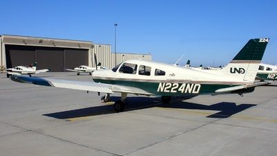 N224ND - Piper PA-28-161 Warrior III - University of North Dakota
