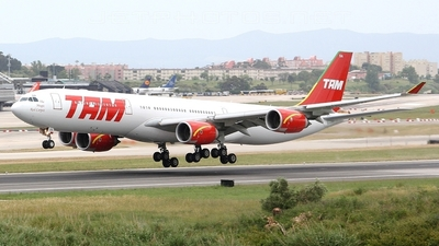 PT-MSN - Airbus A340-541 - TAM Linhas Aéreas