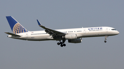 N57111 - Boeing 757-224 - United Airlines (Continental Airlines)