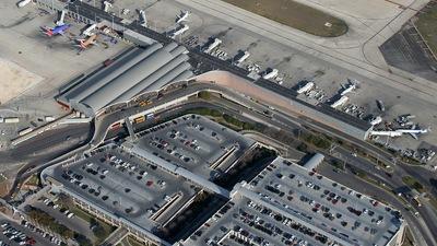 KSAT - Airport - Terminal