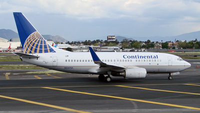 N23721 - Boeing 737-724 - Continental Airlines