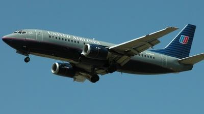 N319UA - Boeing 737-322 - United Airlines