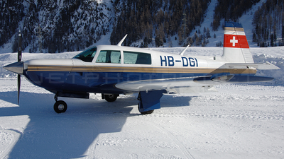 HB-DGI - Mooney M20 - Private