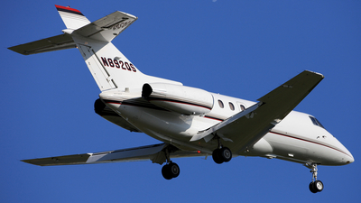 A picture of N892QS - Hawker 800XP - NetJets - © Mike MacKinnon
