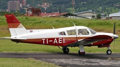 TI-AEI - Piper PA-28R-200 Cherokee Arrow II - Private