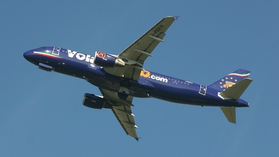 I-PEKH - Airbus A320-214 - Volare Airlines