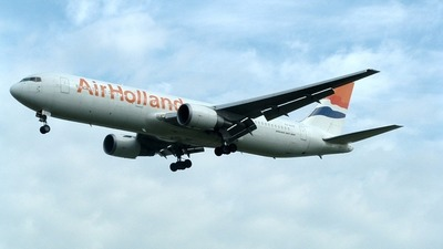 PH-AHR - Boeing 767-328(ER) - Air Holland
