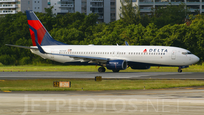 N3744F - Boeing 737-832 - Delta Air Lines