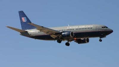 N329UA - Boeing 737-322 - United Airlines