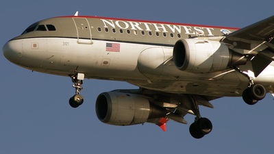 N321NB - Airbus A319-114 - Northwest Airlines
