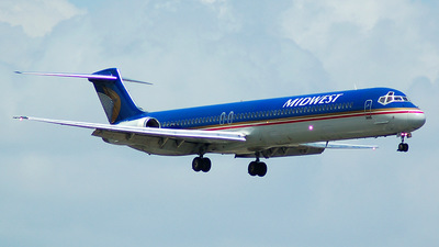 N814ME - McDonnell Douglas MD-81 - Midwest Airlines