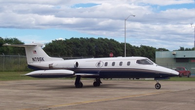 N70SK - Gates Learjet 25 - Private