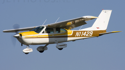 A picture of N11429 - Cessna 177B Cardinal - [17702338] - © Andrew Thompson