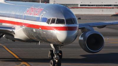 N659AA - Boeing 757-223 - American Airlines