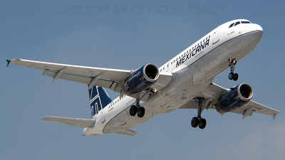F-OHMH - Airbus A320-231 - Mexicana
