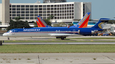 N813ME - McDonnell Douglas MD-81 - Midwest Airlines