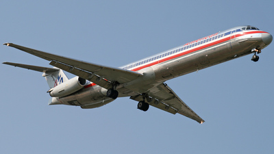 N581AA - McDonnell Douglas MD-82 - American Airlines