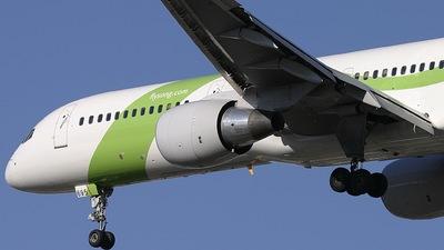 N695DL - Boeing 757-232 - Song