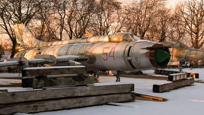 54 - Sukhoi Su-17 Fitter - Russia - Air Force